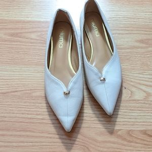 BOGO. Pointy ivory flats with red soles